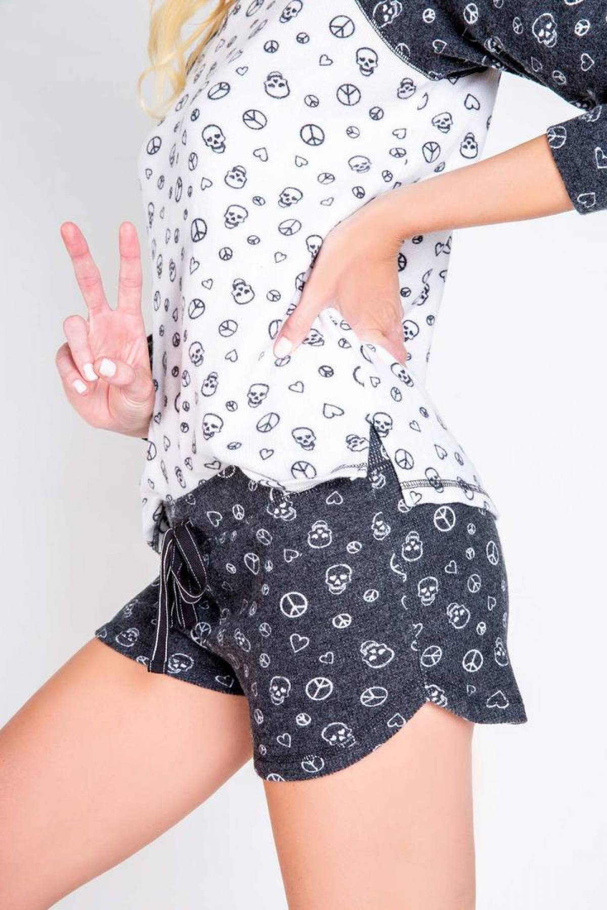 PEACE & LOVE PEACE LOVE SHORT
